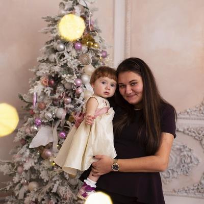 Ксения Линова