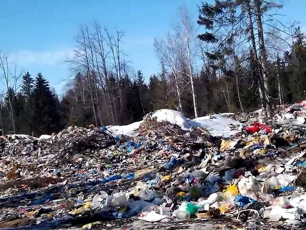 свалка мусора в п.Павловка,Нуриман-ий р-н,Башкирия