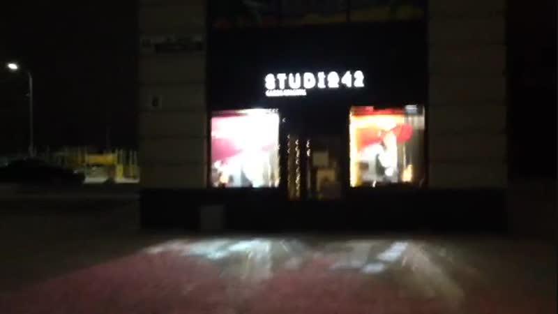 Проекционные витрины STUDIO 42 Петрозаводск Идёт настройка и монтаж