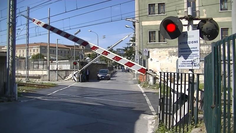 Spoorwegovergang Pompei (I) Railroad crossing Passaggio a livello