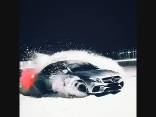 Mercedes - Benz E63s AMG