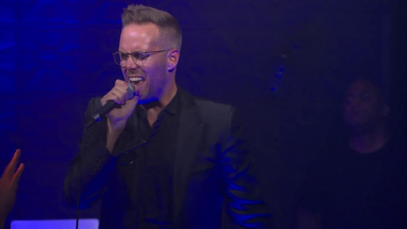 LGBTQ ally Dan Reynolds duets with Justin Tranter at the GLAAD SpiritDay concert 'BEYOND'