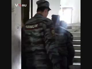 Волжского расчленителя встречают в суде
