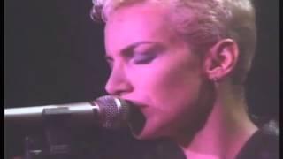 Eurythmics - The Miracle Of Love (Live) Legendado em PT- BR
