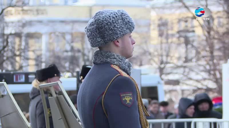 Матвиенко возложила цветы к Могиле Неизвестного Солдата