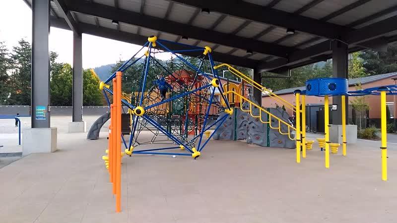 Школьный двор clark elementary