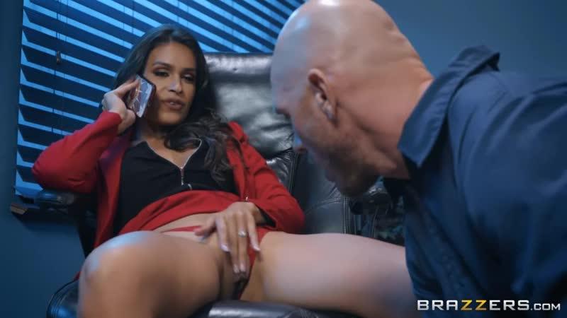 Xxx секретарша соблазняет лысого из браззерс порно