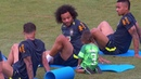 Visita no treino da Seleção Brasileira, Marcelo brinca com seu filho