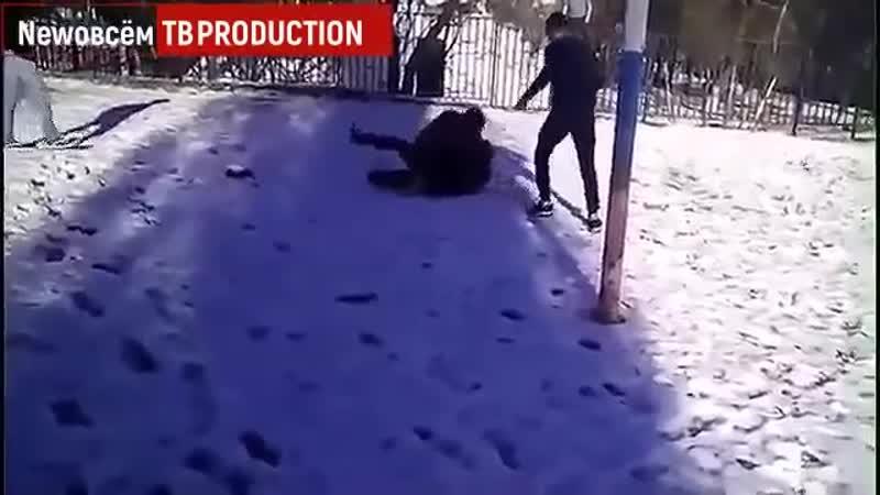 Под Ростовом подростки едва не забили до смерти сверстника на школьном стадионе