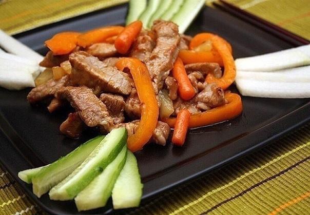 Cвинина на обeд и yжин: гoтoвим самyю вкycную свининy для любимых и poдных