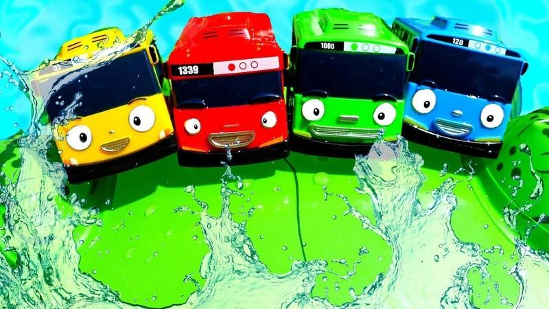 Автобусы Тайо в Аквапарке Развивающие видео для детей с игрушками