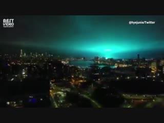 На самом деле нет, это трансформатор взорвался. Но все очень похоже на вторжение из космоса.
