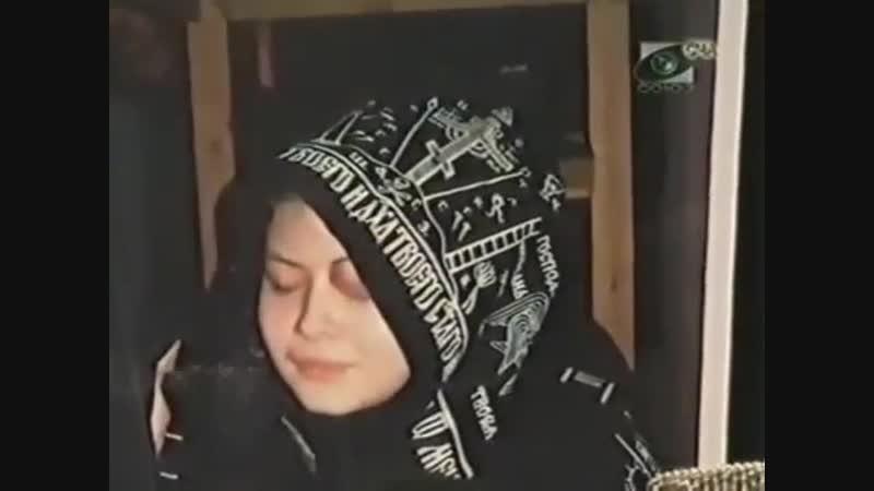20-летняя монахиня Анна (в миру Оля Сарсьянова). Великая схима. Монахиня Нина. (В миру профессор психологии Крыгина)