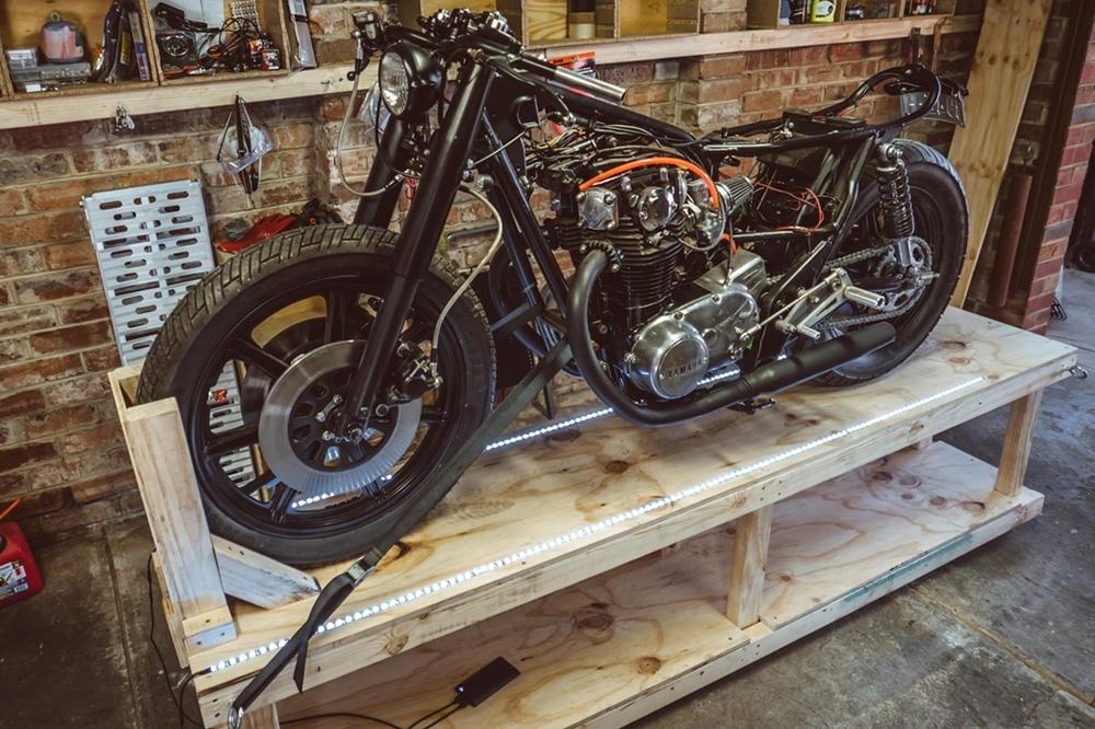 Krank Engineering: самодельный стенд для мотоцикла