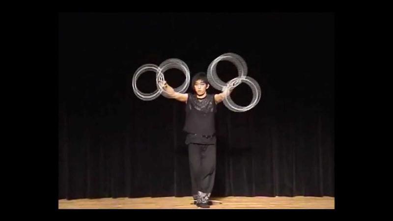 Ring juggling 2007 by Tomohiro Kobayashi