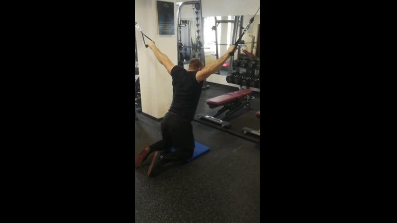 упражнение для плечевого пояса