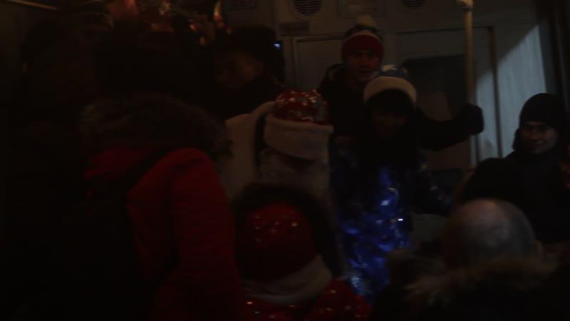 Дед Мороз в челнинском трамвае BA8G2193