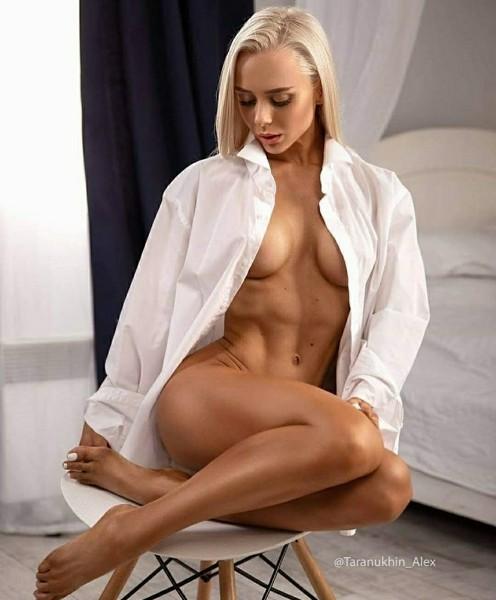Astonishing undressed dark brown wife in bed