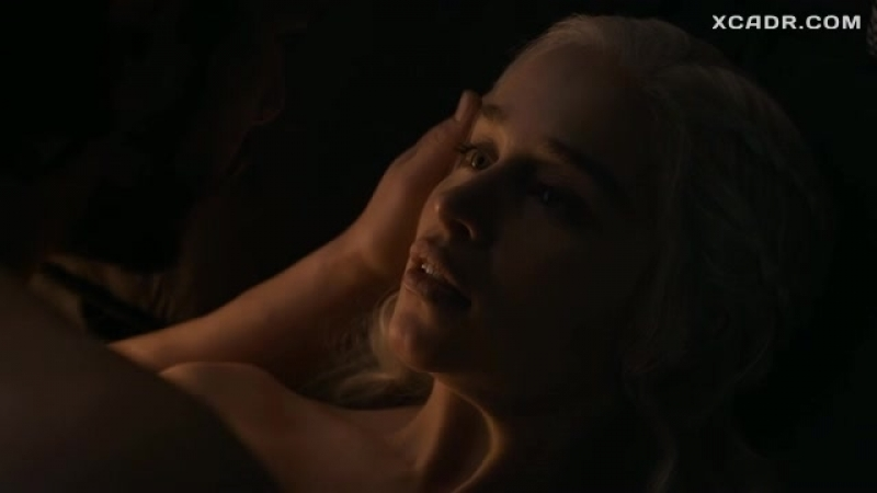 Секс Дейенерис Таргариен с Джоном Сноу – Игра престолов (2011)