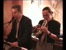 Михаил Иноземцев, Тимур Рысмаганбетов, Юлиана в кафе на Невском поют и играют в 2004 г.