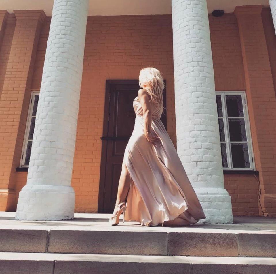 Платье на заказчице из шёлка армани ️
