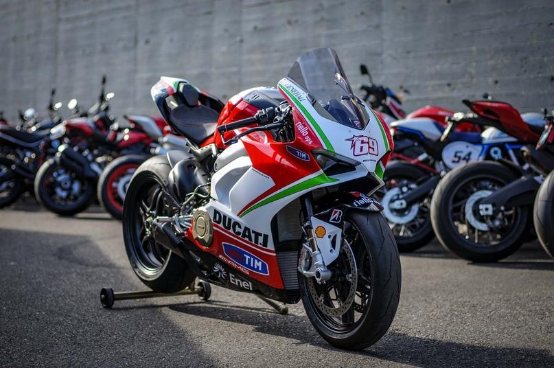 Супербайк Ducati Panigale V4 Nicky Hayden Tribute