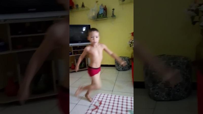 Funk Guilherme dançando Dinho alves