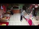 в Татарстане мужчина с лопатой в руках пришел в кафе Малина и беспричинно напал на отдыхающего