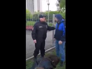 Екатеринбуржцу Леониду Яковлеву дали только что семь суток ареста. Только за то, что он сд