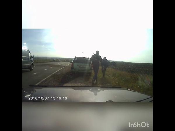 В Мордовии «Ларгус» скинул с дороги микроавтобус