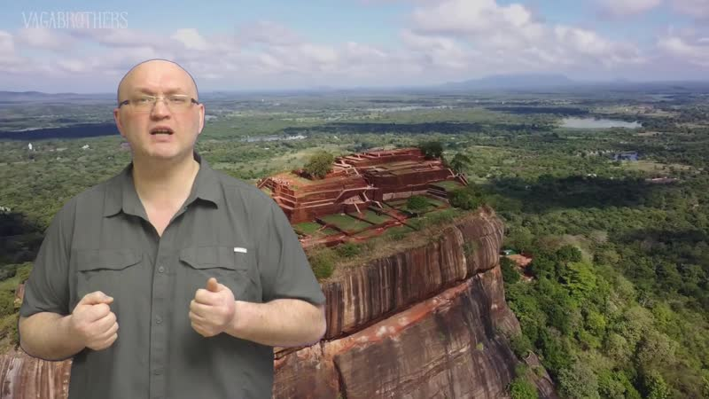 Сигирия никто до сих пор не знает назначение таинственных отверстий в скалах