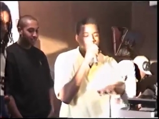 Video rare footage of 19 year old kanye west spitting a freestyle at fat beats o (1)