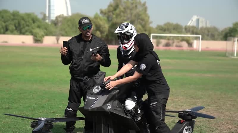Полиция Дубая пробует новид транспорта