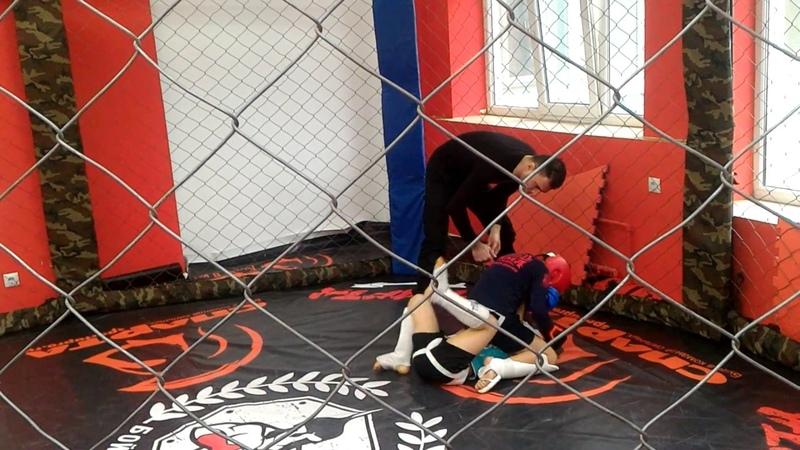 Мой первый бой восьмиугольник Кирилл Епатко 6 лет