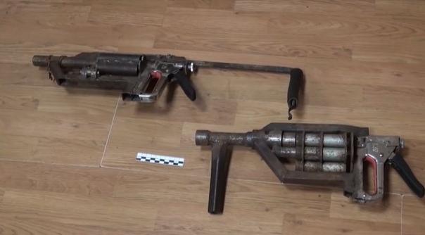 Мебельный степлер и крестик: умелец скрутил самодельный дробовик в духе постапокалипсиса В Карачаево-Черкессии полицейские изъяли у некоего умельца самодельный дробовик. Отличительные
