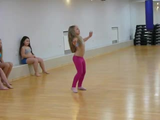 رقص اطفال رووووووووووووعه