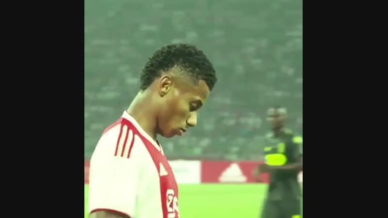 Давид Нерес — будущее мирового футбола