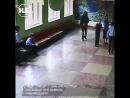 В Челябинске второклассник привел в школу отца, чтобы разобраться с пятиклассником