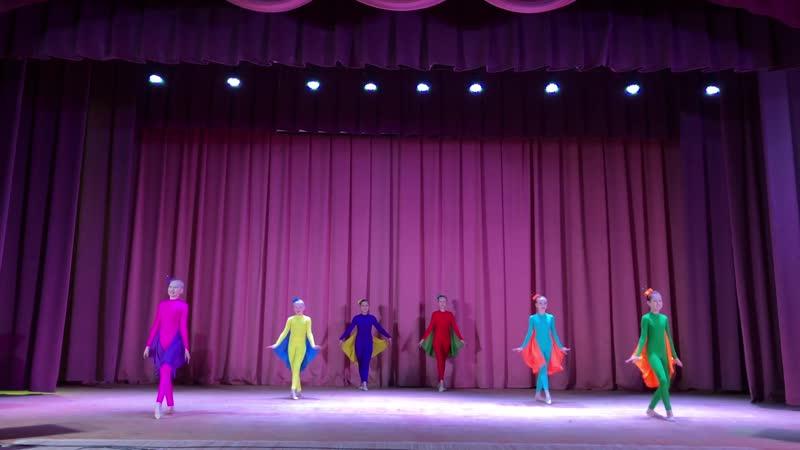 Эстрадный танец 10 12 лет Хореографический коллектив Дети солнца танец Бабочки