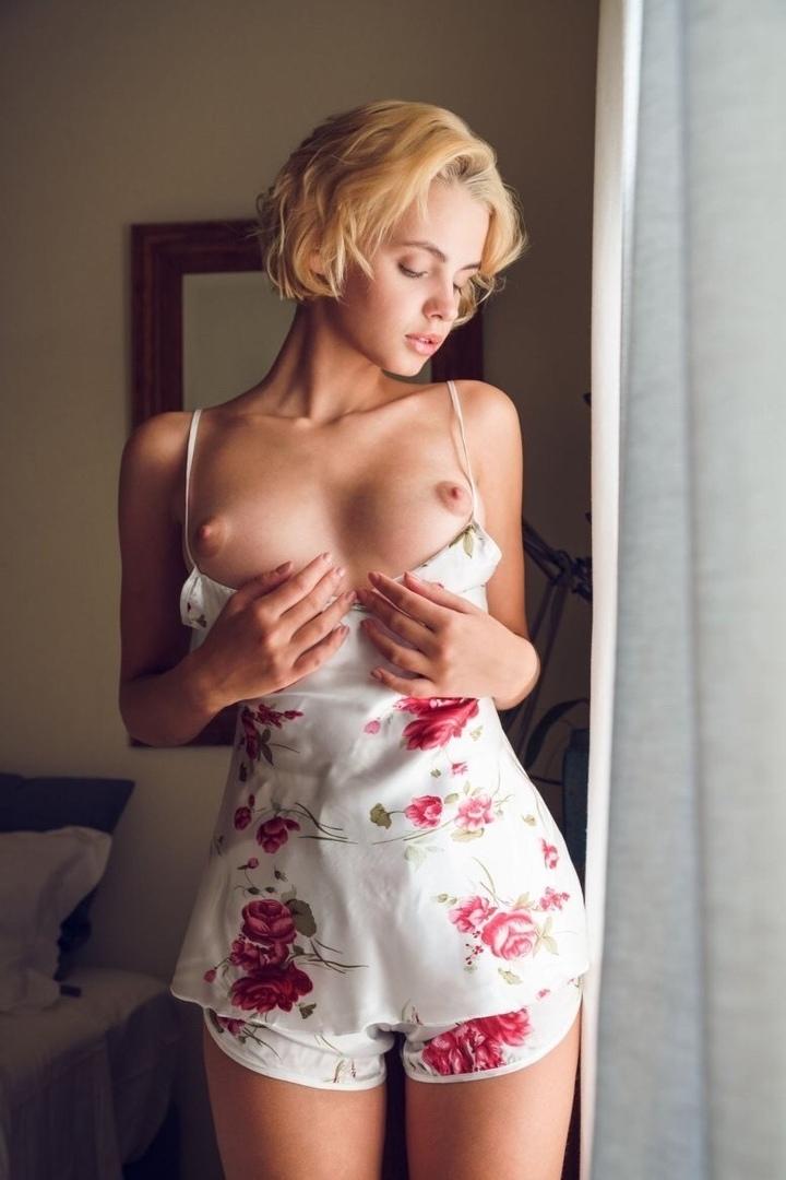 Naked japanese women fucking