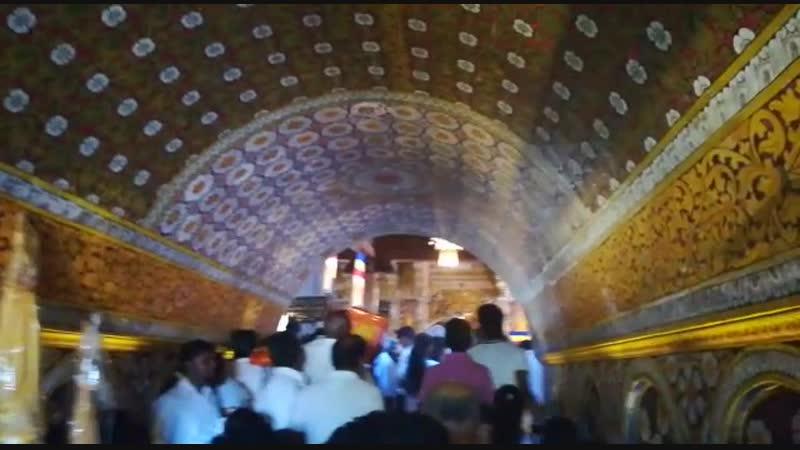 Вход в Храм Зуба Будды. Шри-Ланка. г. Канди