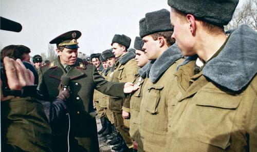 Командующий и солдаты корпуса