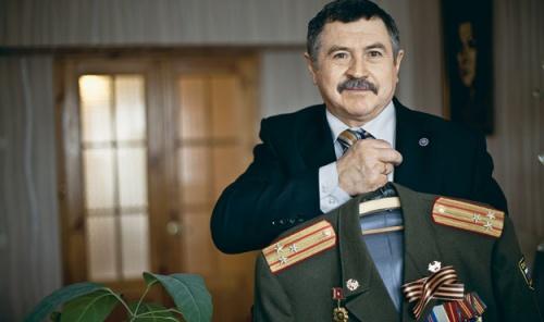 Полковник Виктор Никифоров, бывший начальник связи 8-го корпуса