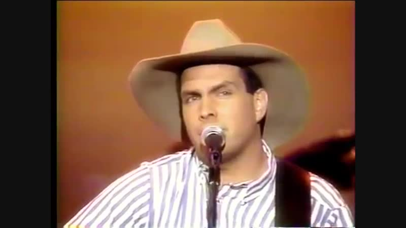 Garth Brooks- Much Too Young (To Feel This Damn Old) LIVE ONSTAGE 1989