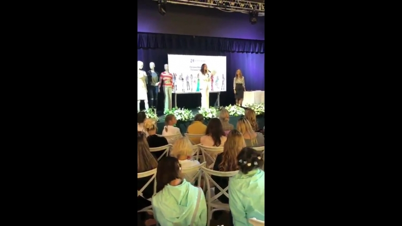 Оксана Федорова на фестивале Между нами,девочками