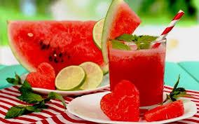 Самый сочный осенний месяц нужно использовать по полной программе, запасаясь витаминами. Выжмем из него все соки, накопленные за лето!