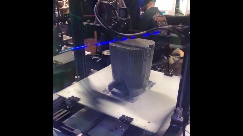 3D Принатер в Школе Бутафорского Мастерства.mp4