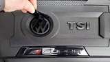 SEAT Leon CUPRA 300 - engine cover - logo VW