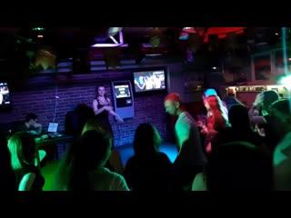 Rock-n-roll party в реальных кабанах с #тм_маруся