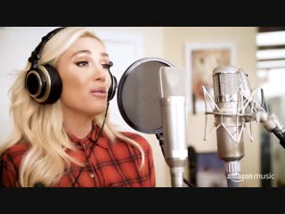 Gwen Stefani, You Make It Feel Like Christmas (Deluxe Edition), with Amazon Music